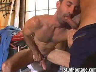 2 hot men having porn into the bathroom