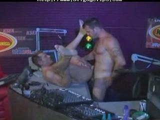 follando en la radio gay fuck gays gay sperm