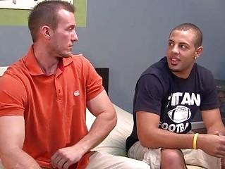 gay stud demonstrates how to do fellatio