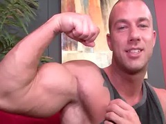 str8 dude drilled by bodybuilder.