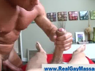 straight man gives inside to erotic gay masseuse